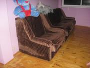 Продам трёхместный диван и кресло