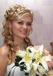 Свадебные и  вечерние прически. Оригинальное плетение кос